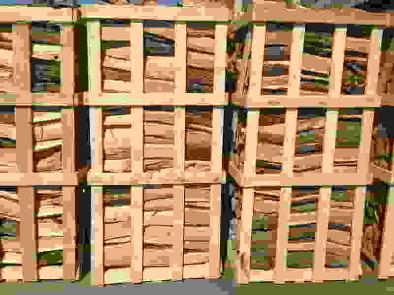 brennholz und paletten birke eiche esche wei buche. Black Bedroom Furniture Sets. Home Design Ideas